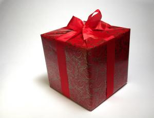 輸送を目的としたものは工業包装、販売を目的としたものは商業包装。工業包装がいわゆる梱包
